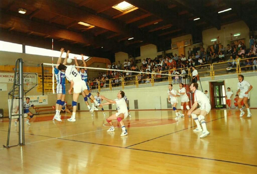 1992-93 gioco